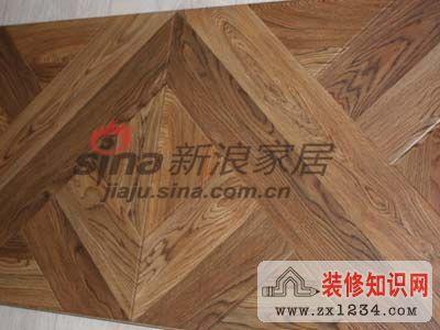 此款地板属于亚光色,比较适合欧式装修风格.